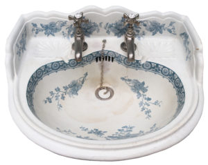 An Antique Victorian Blue and White Patterned Wash Basin