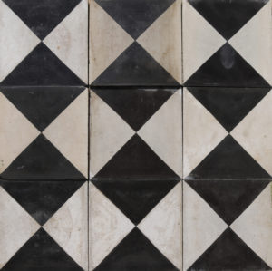Reclaimed Black and White 'Checker Board' Style Encaustic Floor Tiles 2.5 m2 (26 ft2)
