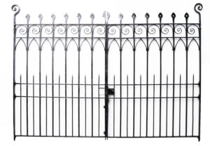 A Set of Reclaimed Wrought Iron Driveway Gates 10′3″ (314 cm)