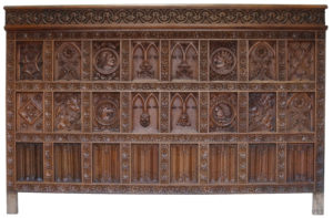 Antique English Carved Oak Wall Panelling 9.75 m (32 ft)