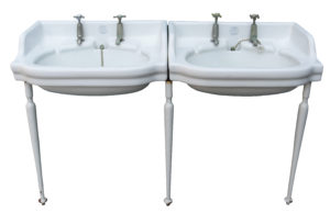 Musgraves Invictus Double Basin on Stand